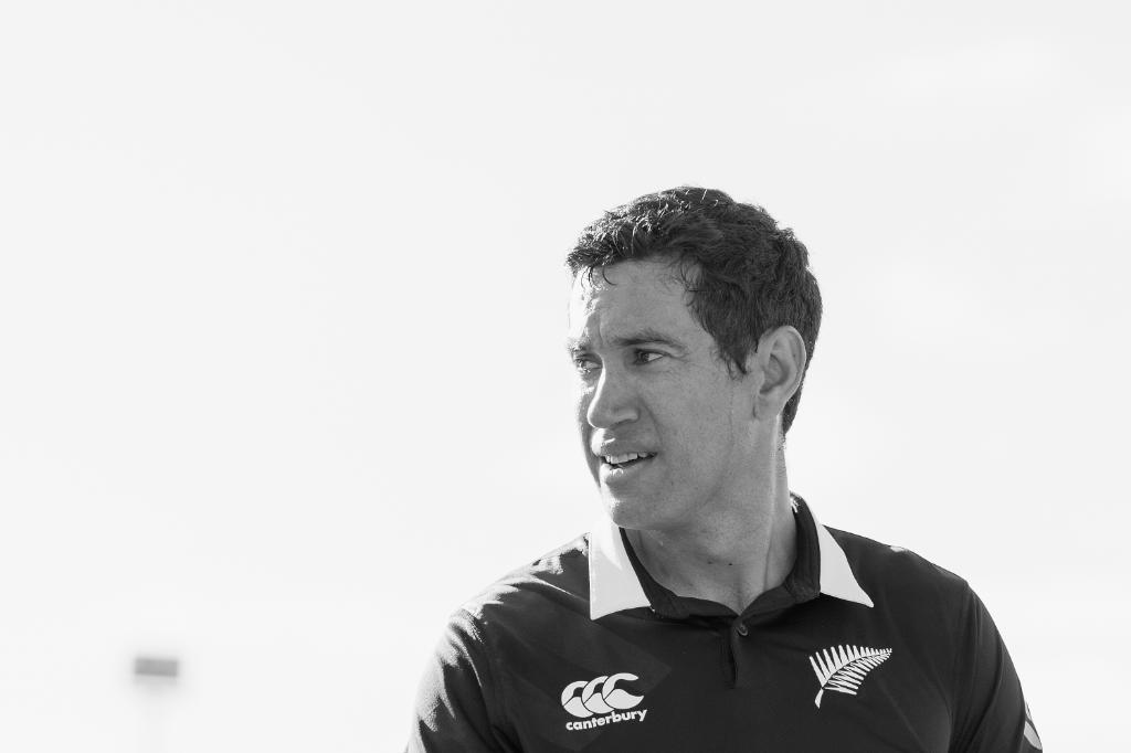 8️⃣0️⃣0️⃣0️⃣ and counting!  Congratulations to @RossLTaylor, only the second New Zealand batsman to score 8k ODI runs.  Stephen Fleming (8037) is their leading run-scorer in the format. Will Rossco pass him today?  #NZvBAN LIVE 👇 http://bit.ly/NZvBan3