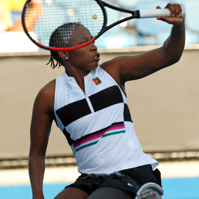 South Africa's @KGMontjane1 suffered a first-round defeat at the hands of Japanese second seed Yui Kamiji 7-6(12), 6-2 at the @usopen in New York. Montjane and her partner Dana Mathewson also lost their doubles semis 6-0, 6-2 to top seeds. #WheelchairTennis I #USOpen