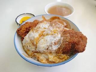 ⦅新潟市内の卵とじかつ丼⦆新潟市内でかつ丼と言えばタレかつ丼。タレかつ丼も大好きですが普通のかつ丼(卵とじ)も食べたくなるもの。これまで市内で頂いた「卵とじかつ丼」をまとめてみました。#新潟市内の卵とじかつ丼まとめ