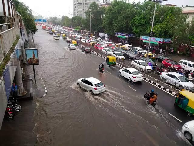 दिल्ली में भारी बारिश; पिछले 46 साल में अब तक की सर्वाधिक वर्षा रिकार्ड की गई