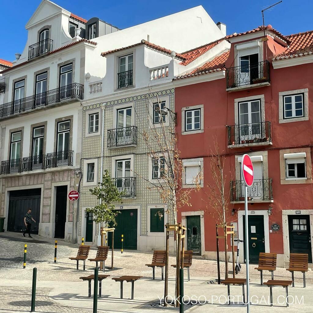 test ツイッターメディア - リスボンの街角にはいつもベンチがあります。 #ポルトガル #リスボン https://t.co/hvVwJYxqdx