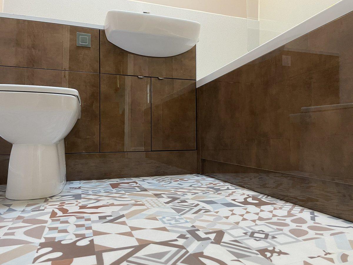 A little #bathroom that we've been working on...more photos of the finished room 🔜. Products used include @bybaUK @blumuk @daro_UK @TissinoUK @romanltd @BristanPro @TwyfordUK @ThomasDudleyLtd @EastbrookCo @LDL_online @HafeleUK
