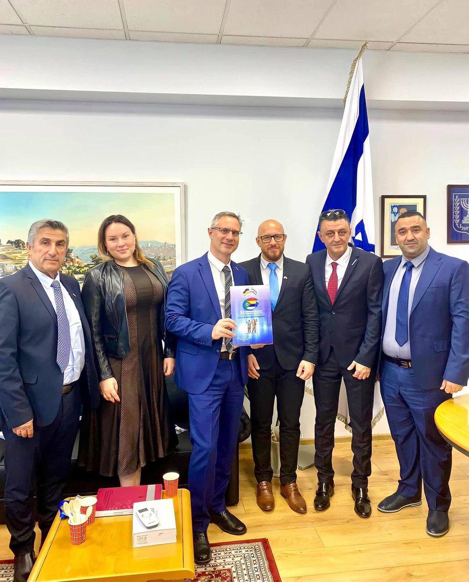 استقبل سفير إسرائيل  في اوكرانيا اعضاء جمعية المسرحين الدروز   مشيدا بدور المكون