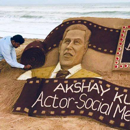 Happy birthday Akshay Kumar ! Feel sad for the demise of your mother !
