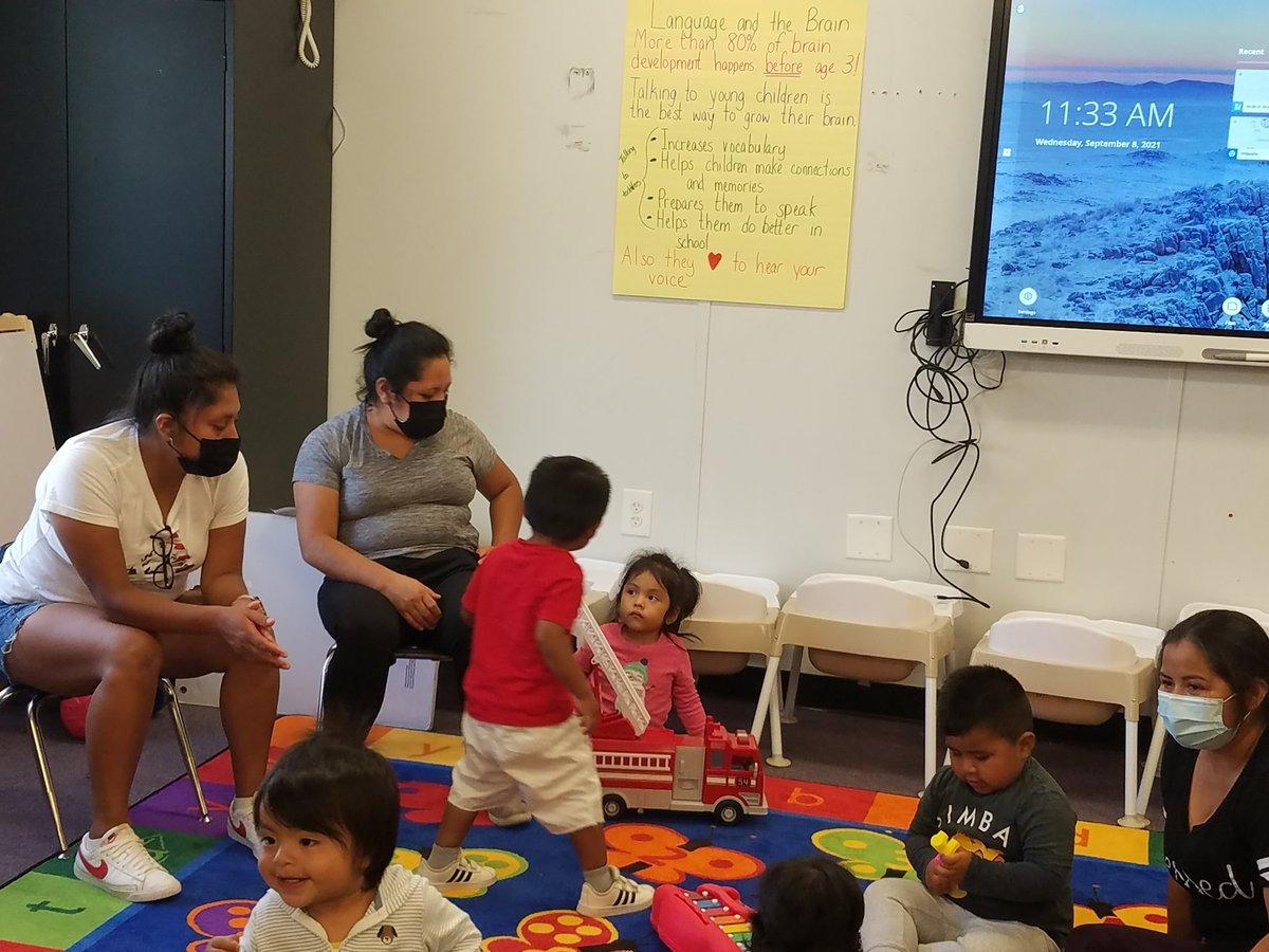 与妈妈们一起建造沙堡和语言的 PACT 时间和 Circle Time。 其他人练习教学技术。APS职业中心'> @APS职业中心APS_ESOL'> @APS_ESOL @mswisher23 @plevinal https://t.co/P23uE1xLgVw