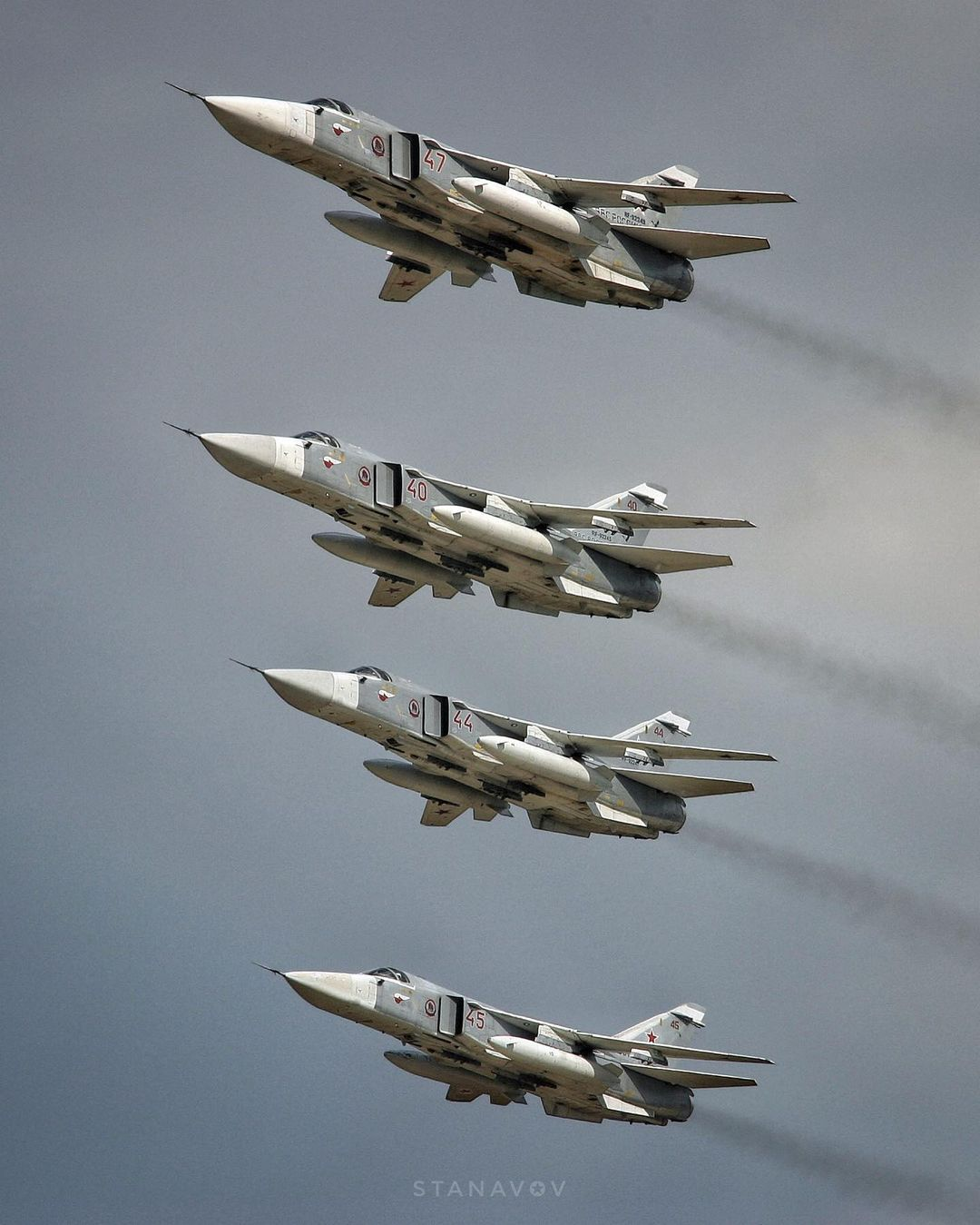 Su-24 Fencer - Page 6 E-3osIfXoAUZNrX?format=jpg&name=large