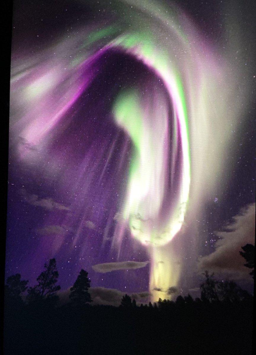 La saison des #aurores boréales a commencé. Superbe photo dans le nord de la #Norvège. #norway #northernlights