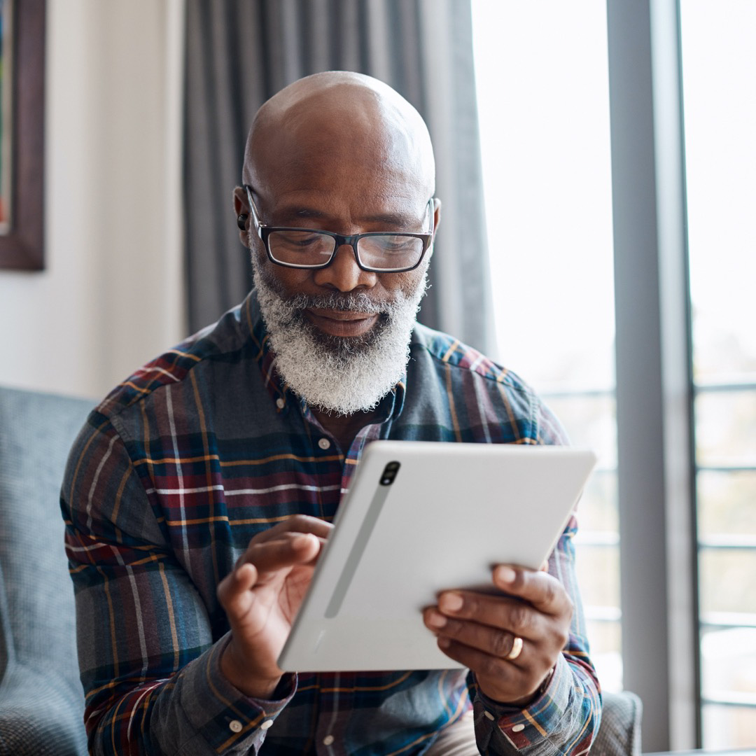 Missing Grandpa and Grandma? This #NationalGrandparentsDay, help them stay connected with the #GalaxyTabS7 and enjoy better sound quality during family calls with the #GalaxyBudsPro, thanks to Ambient Sound.   Learn more: https://t.co/QcrdudtgUo https://t.co/ptLEvlw2ht