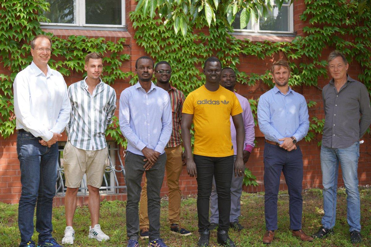 Aktuell haben wir vier DAAD-Stipendiaten aus Togo & Benin zu Gast auf unserem Campus. Mit der @KaraUniversite möchten wir diesen Austausch weiter ausbauen zu einem deutsch-westafrikanischen Expertennetzwerk für nachhaltige & regenerative Energiesysteme. 👉https://t.co/lLCgfuPKJw https://t.co/xOTuaXohDB