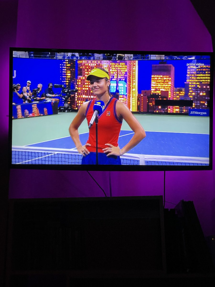 So pleased I woke up for that!!! @EmmaRaducanu that was absolutely amazing. #usopen #bbctennis