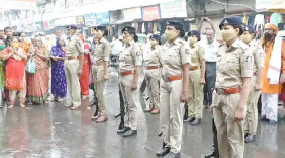 Traditional Guard of Honor Accorded to Ganesh by Mahesana Police