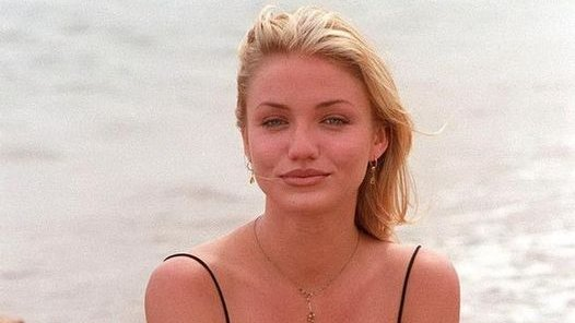 Happy Birthday to actress, author, producer and model,  Cameron Diaz (August 30, 1972).