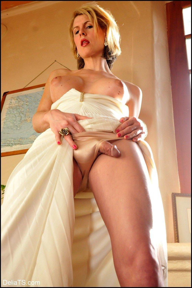 Things you love to see @DeliaTS in satin lingerie 👅👅👅👅👅👅👅DeliaTS.com 👈🏼 @jockosrocketX @Ryanwsa1 @Dastardlypromo1 @b_tranny2 @HunterTs5 @Sarah__096 @SlaveMichaelES @BeautyworldTs @Here_Diversity @danpassosneto @SexySheGirls @P0rnPromos @WordofPorn