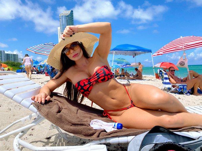 1 pic. Día de playa nudista no te pierdas lo mejor en https://t.co/vdv0FihveJ los estoy esperando. https://t