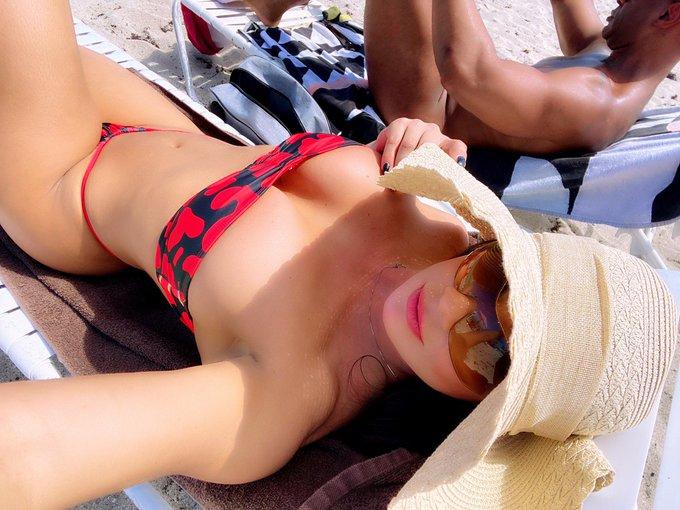 2 pic. Día de playa nudista no te pierdas lo mejor en https://t.co/vdv0FihveJ los estoy esperando. https://t