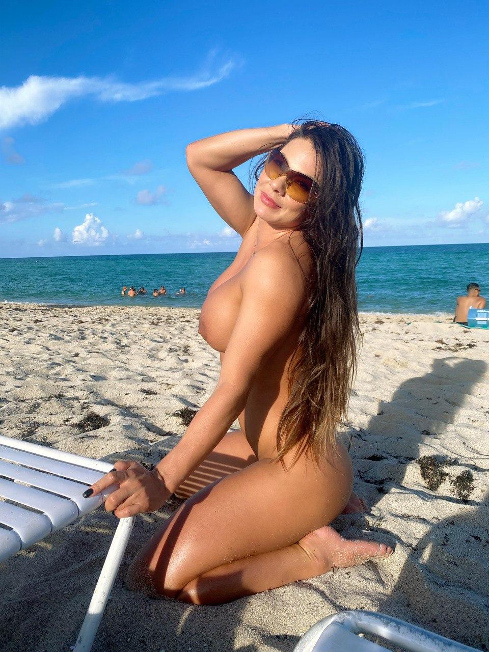 4 pic. Día de playa nudista no te pierdas lo mejor en https://t.co/vdv0FihveJ los estoy esperando. https://t