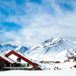 Image for the Tweet beginning: ⛷😱 Esquiar en una de