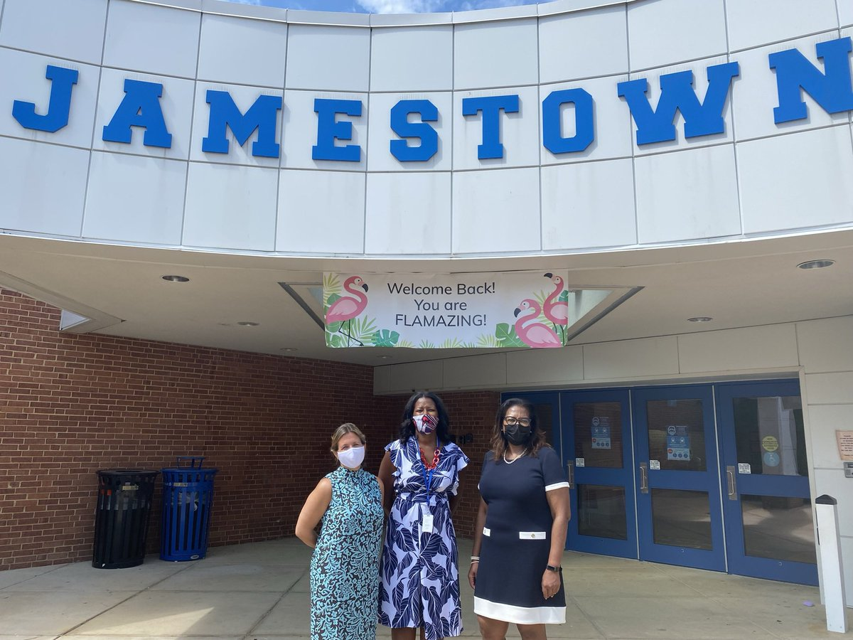 Many thanks to <a target='_blank' href='http://twitter.com/GravesKimberley'>@GravesKimberley</a> for spending some time today with us <a target='_blank' href='http://twitter.com/JamestownAPS'>@JamestownAPS</a>. The students enjoyed having you participate in their lessons & activities.  This is going to be an exciting school year please come back and visit us again soon. <a target='_blank' href='http://twitter.com/APSVirginia'>@APSVirginia</a> <a target='_blank' href='http://twitter.com/McCarthyM_JES'>@McCarthyM_JES</a> <a target='_blank' href='https://t.co/hdSgpSoRjg'>https://t.co/hdSgpSoRjg</a>