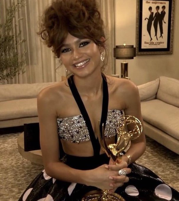 Yes, on this day, 25 years ago the queen was born... happy birthday zendaya!!