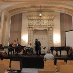 Image for the Tweet beginning: W synagodze trwa próba do