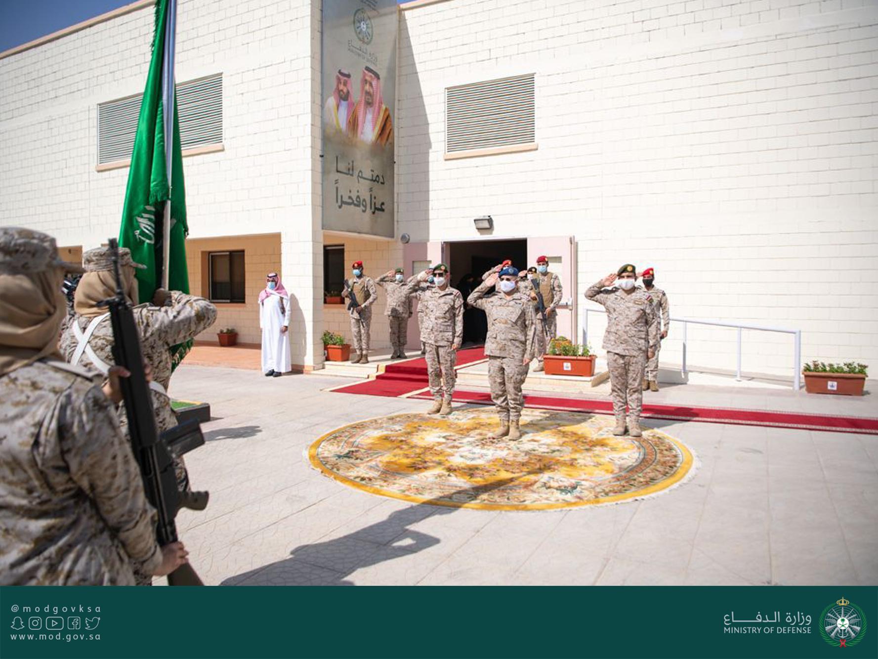 بالفيديو|| أول دفعة نسائية بالقوات المسلحة السعودية واستعرض مذهل بالأسلحة الرشاشة - صور وفيديو