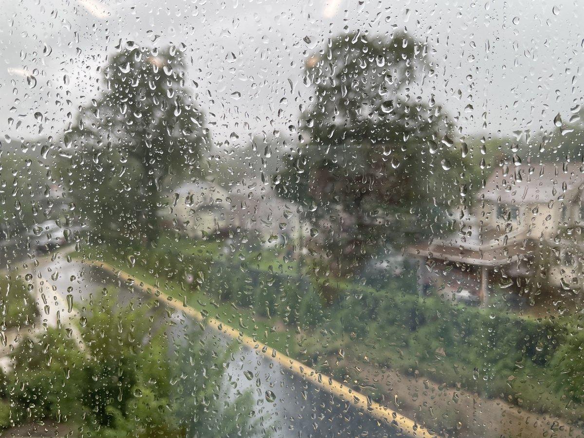 在這個下雨天享受美麗的景色@APS_FleetES ,房間314。 九月快樂! #IdaAftermath https://t.co/gvxOlrRwLd