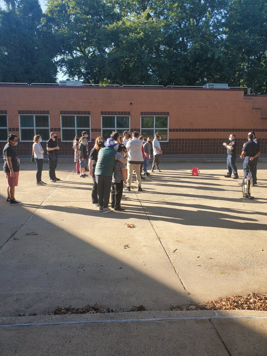 Thank you <a target='_blank' href='http://twitter.com/ArlingtonVaFD'>@ArlingtonVaFD</a>! We love learning about safety on this beautiful day! <a target='_blank' href='https://t.co/4hGwogmIYG'>https://t.co/4hGwogmIYG</a>