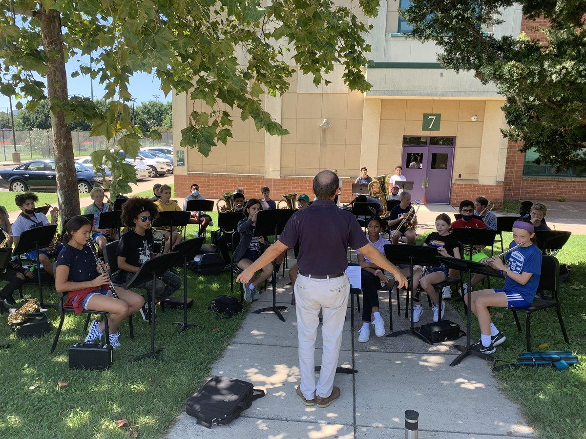 Outdoor band rocks!! We are making it work. <a target='_blank' href='http://twitter.com/Dr'>@Dr</a>.Stewart jams <a target='_blank' href='http://search.twitter.com/search?q=GunstonPRIDE'><a target='_blank' href='https://twitter.com/hashtag/GunstonPRIDE?src=hash'>#GunstonPRIDE</a></a> <a target='_blank' href='https://t.co/TQa85MAdUv'>https://t.co/TQa85MAdUv</a>