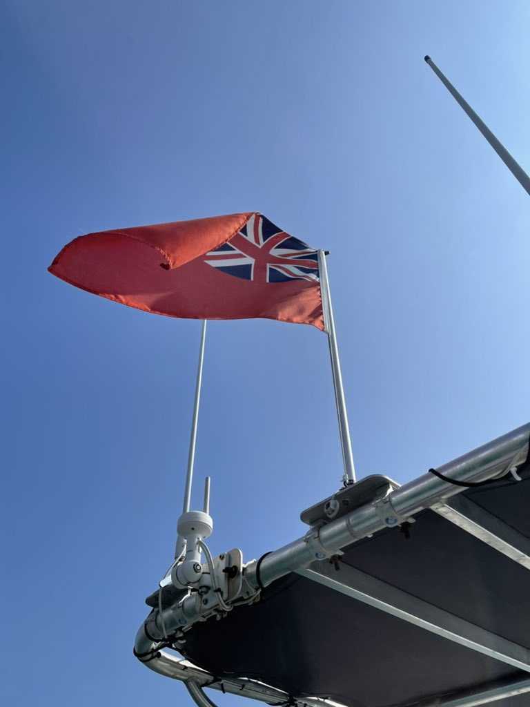 Proud to be flying the #RedEnsign on Gigabyte our test boat today #MerchantNavyDay #MerchantSeafarers #redarrows will commemorate too @3pm Bournemouth https://t.co/vbVcxqdwzZ