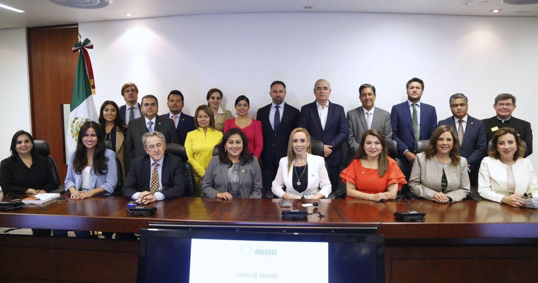 """SinEmbargo on Twitter: """"Militantes del PAN, de la vieja y de la nueva  guardia, integraron la comitiva que recibió a Santiago Abascal, presidente  de Vox. ¿Pero quiénes son y cuáles son los"""