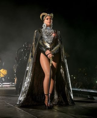 Happy 40th birthday to the best to do it. Queen of the stage. Omo ologo, star girl, Beyoncé