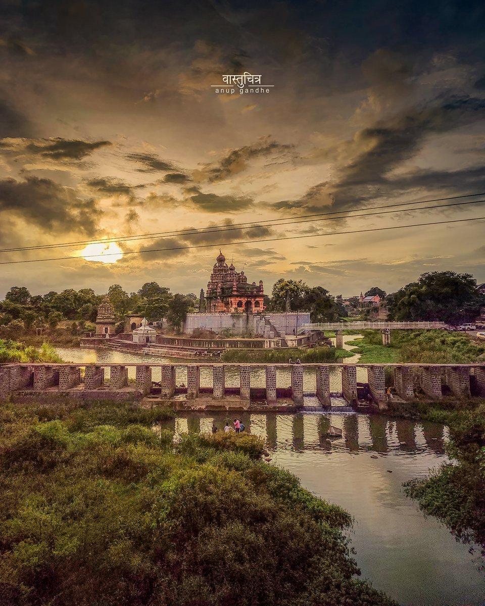 Thank you @vastuchitra for bringing forth this view of Sangameshwar temple in Saswad, Maharashtra! #DekhoApnaDesh  @maha_tourism