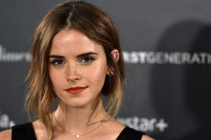 Emma Watson'a tüm Harry Potter filmlerinde oynaması için yaklaşık 60 Milyon dolar ödenmiştir.