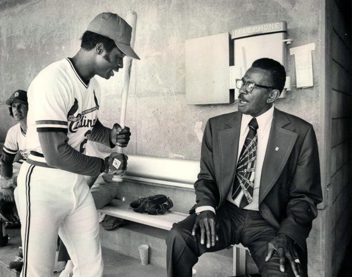 Lou Brock and Satchel Paige talk baseball https://t.co/IVjg4cIiy6