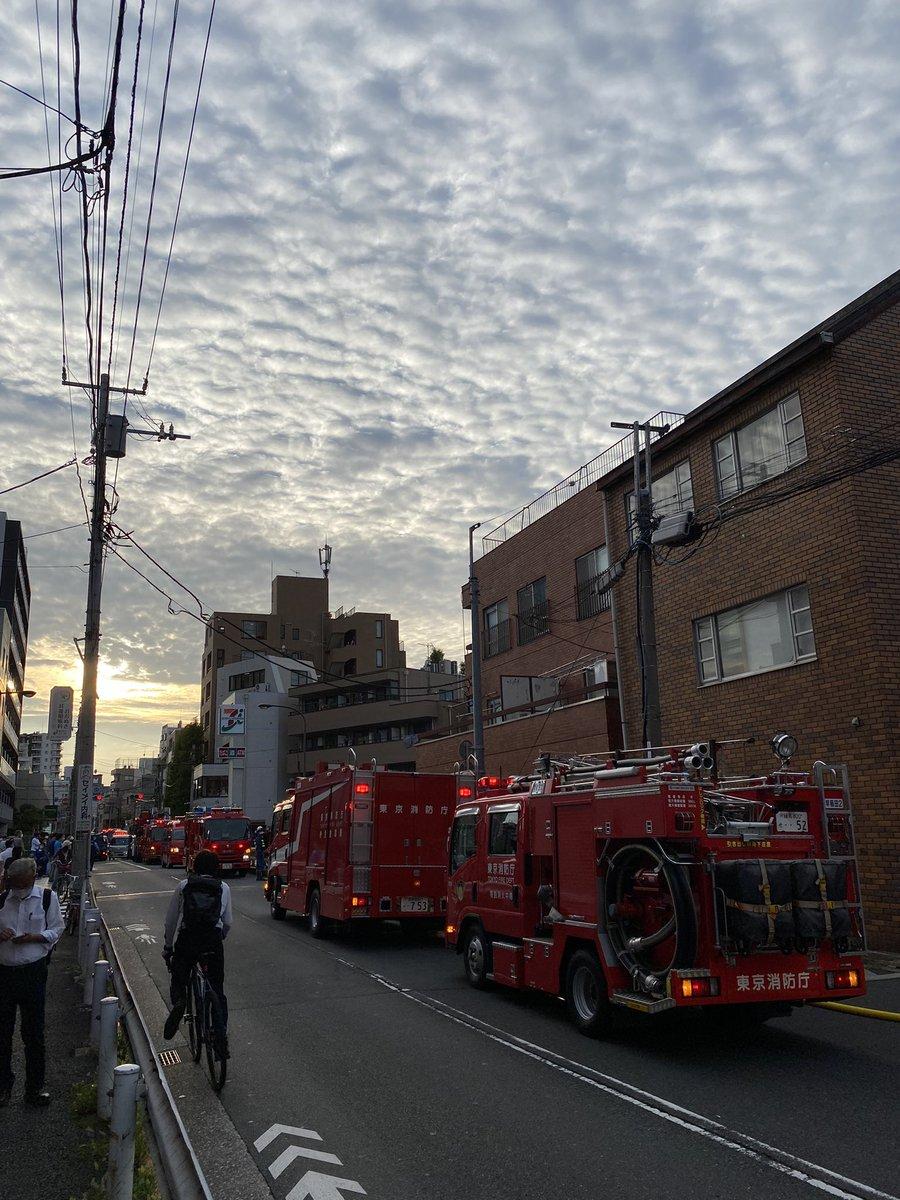 【火災】東京都新宿区北新宿3丁目で火事発生!「東中野って大通りから少し入るとどこも道が激せまだから火事や救急が大変なんだよな…」