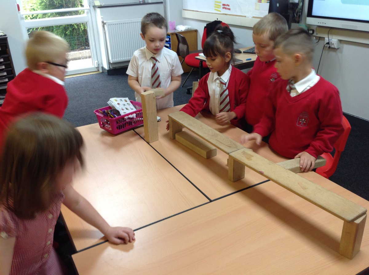 Year 2 loved becoming engineers this week👷♂️🛠 . In our design technology lesson, we thought carefully about how to make the strongest bridge 🌁. We all showed great teamwork and lots of resilience 🌟