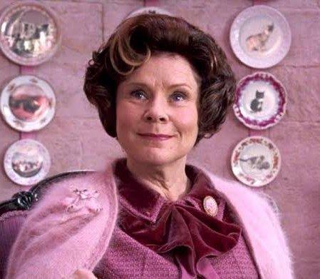 Tonks'un saçları filmlerde mor yapıldı çünkü film yapımcıları pembenin sadece Umbridge ile ilişkilendirilmesi gerektiğini düşündüler.