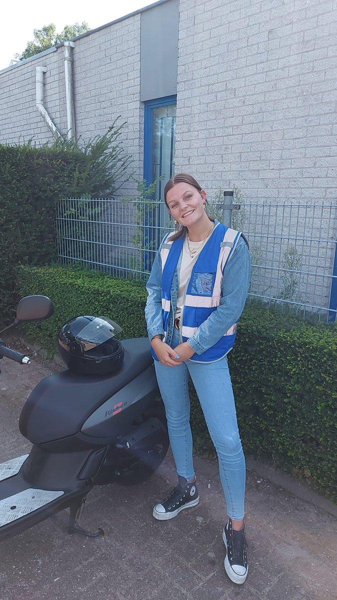 test Twitter Media - Vol zelfvertrouwen heeft Robin de Vries een keurige rit gereden. Gefeliciteerd met je #AM2 #scooter #rijbewijs. https://t.co/G7dnC8MygH
