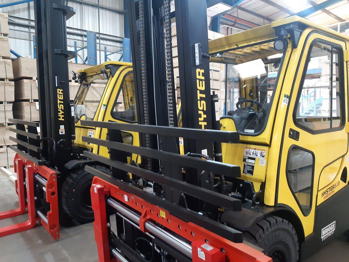 📣👏@MerewayKitchens 𝗶𝗻𝘃𝗲𝘀𝘁 𝗶𝗻 𝗻𝗲𝘄 𝗛𝘆𝘀𝘁𝗲𝗿 𝗳𝗹𝗲𝗲𝘁 𝘀𝘂𝗽𝗽𝗹𝗶𝗲𝗱 𝗯𝘆 𝗕𝗿𝗶𝗴𝗴𝘀 𝗘𝗾𝘂𝗶𝗽𝗺𝗲𝗻𝘁 Luxury kitchen manufacturer, Mereway Group, has taken delivery of 7 Hyster forklift trucks at their Birmingham warehouse hub 👉 bit.ly/3l3lKL4