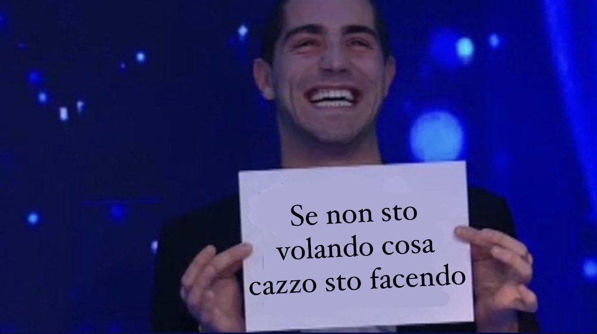 """robiola☾&39;s tweet   """"MA LO STADIO CHE CANTA NOTTI MAGICHE IO NON MI RIPRENDO PIÙ ItaliaLituania ..."""