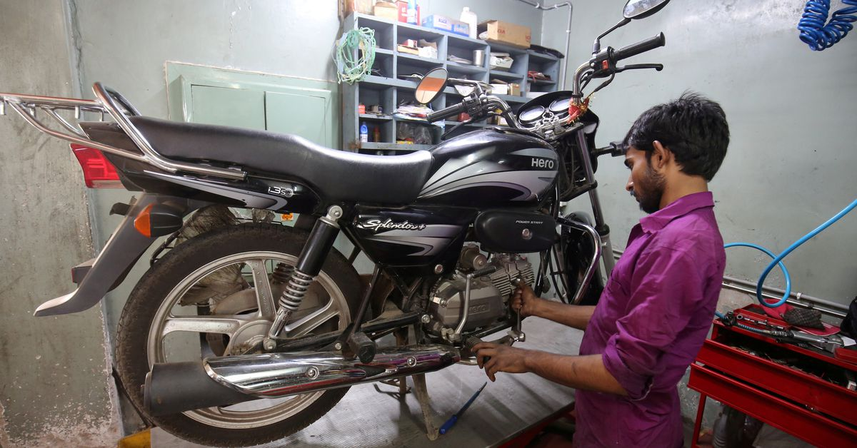 India's Hero MotoCorp extends shutdown at its plants due to pandemic https://t.co/5HWGeRNl81 https://t.co/P2MmCR9u9z