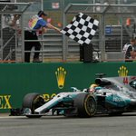 Image for the Tweet beginning: El piloto británico Lewis Hamilton