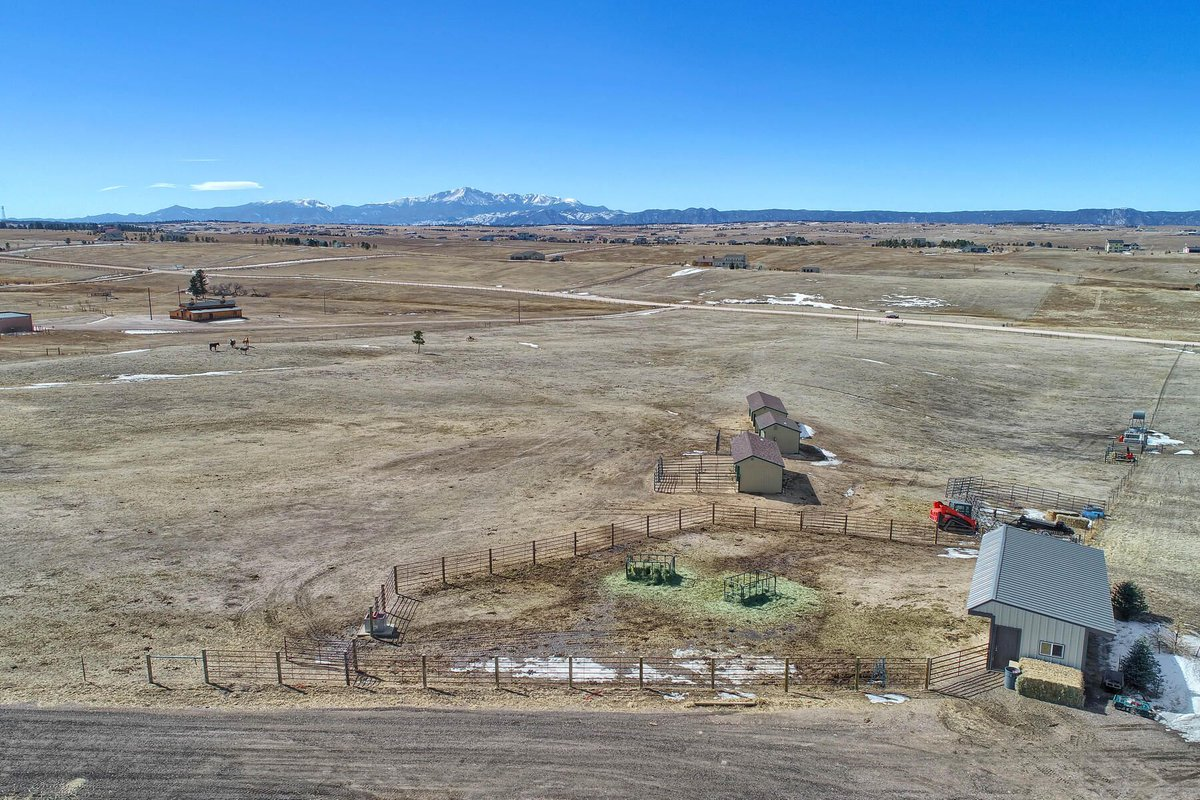 Rare opportunity to own a 20-acre parcel in this area! - Colorado Springs, #Colorado - More Info: https://t.co/5NeBTVe6z3  Gorgeous #property with sweeping #views of Pikes Peak and the Front Range. #landforsale  @gorgeousCOLO https://t.co/VHjiQ7lZpL