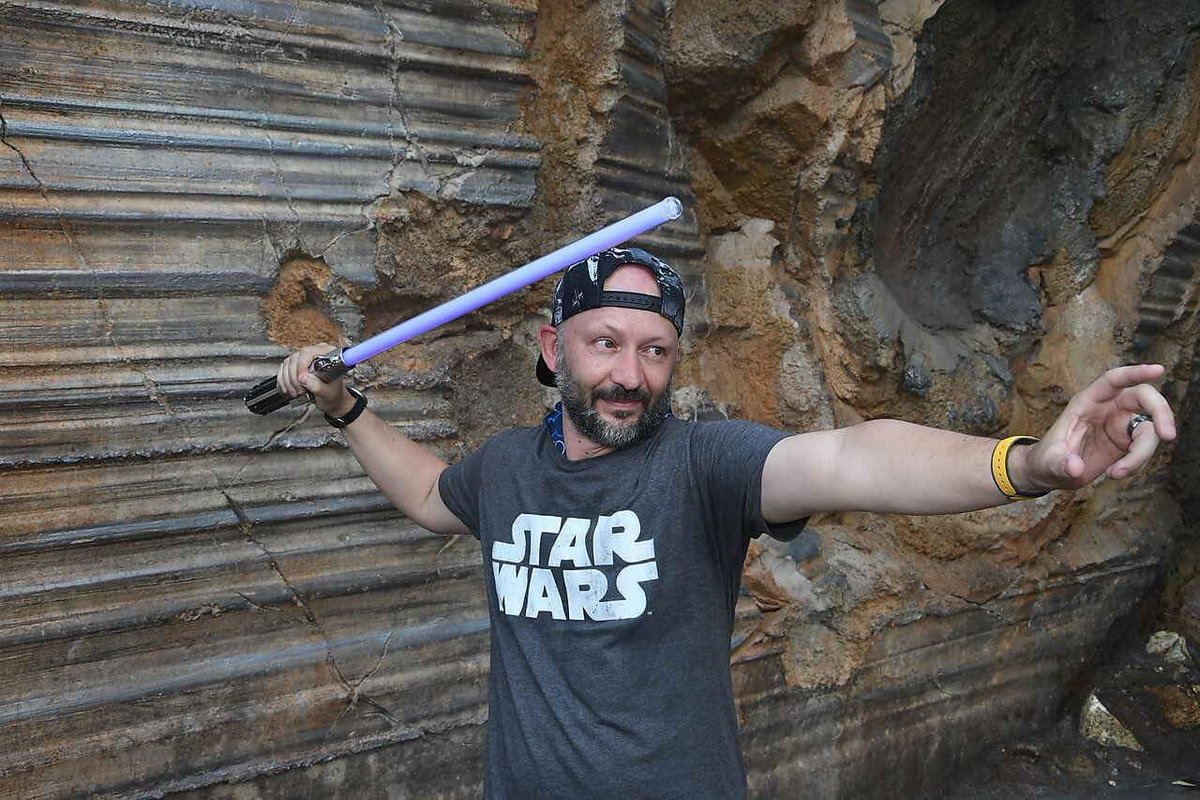 Haven't posted my Galaxy's Edge photos from #StarWarsDay yet so here's a choice few #MayThe4thBeWithYou #StarWars https://t.co/iN31tBDqMu