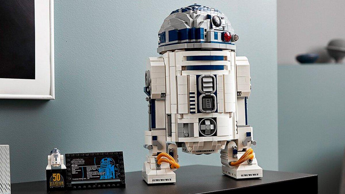 LEGO Star Wars unveils new R2-D2 droid figure to celebrate lucasfilm's 50th anniversary #starwars #starwarsday #lego #geek  https://t.co/m0UfllnjvG https://t.co/8qy3w7WkW4