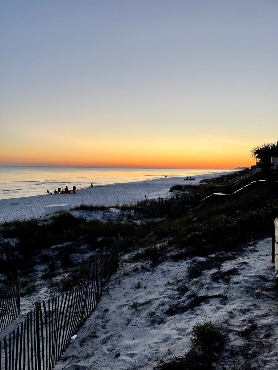 Cherish every sunset.  #teamsteely #steelygroup #qsciences #hemp #natural #wellness #health #financialfreedom #teamsteely #steelygroup #realestate #southwalton #sowal #beaches #beachlifestyle #30a #live30a https://t.co/Qa6J13afs5