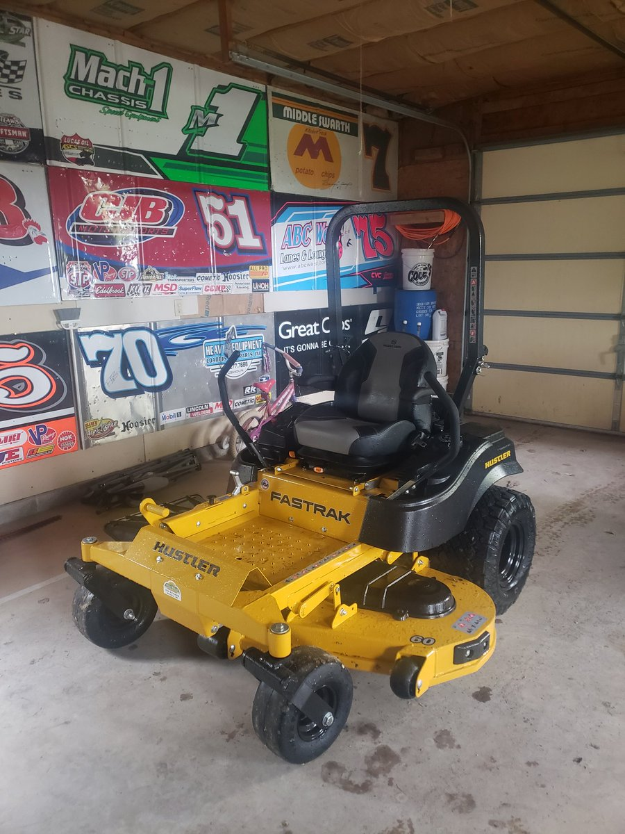 You know you're old when you're excited about your new lawn maintenance equipment! #merrychristmas https://t.co/ef0OQx7ipC