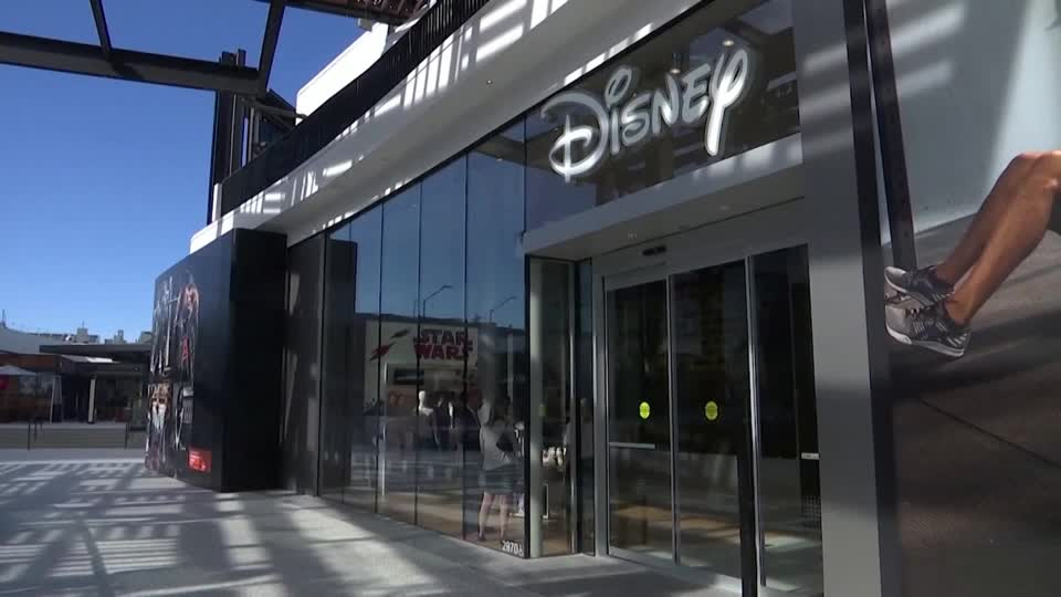 WATCH: Disney and Airbnb will release quarterly results and Sotheby's will allow buyers to use bitcoin or ethereum to bid and pay for Banksy's 'Love is in The Air': These are some of the main market-moving events for the week of May 10th https://t.co/fn8Tl7EQav