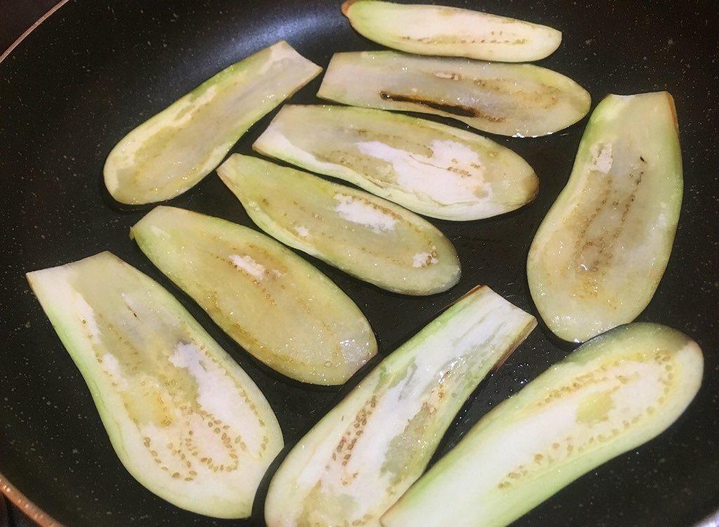 お金がなくてもリッチな気分を味わえる!料理研究家リュウジさんによる『ナスのすき焼き』のレシピがこちら!