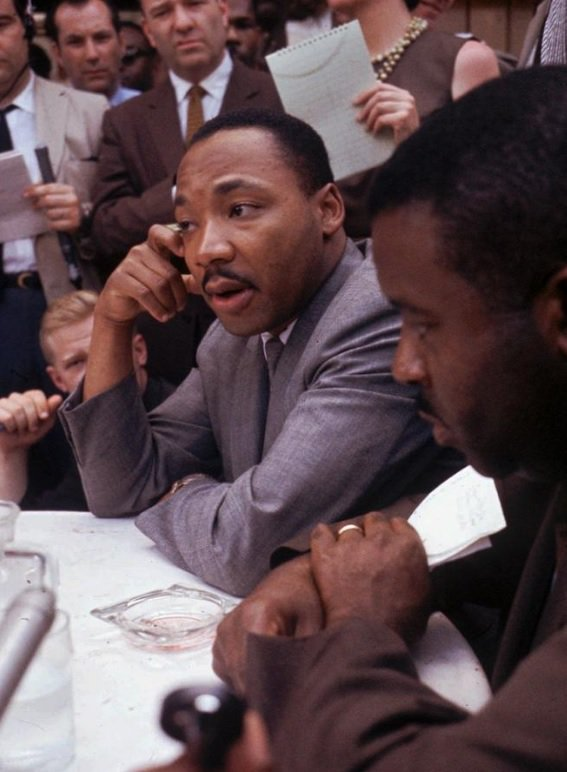 Martin Luther King Jr. at a news conference in Birmingham, Alabama on this date May 9 in 1963. The first person to name the man on the right wins a purple jelly bean. Photo credit: AP. #OTD https://t.co/oZF6rmggZ4